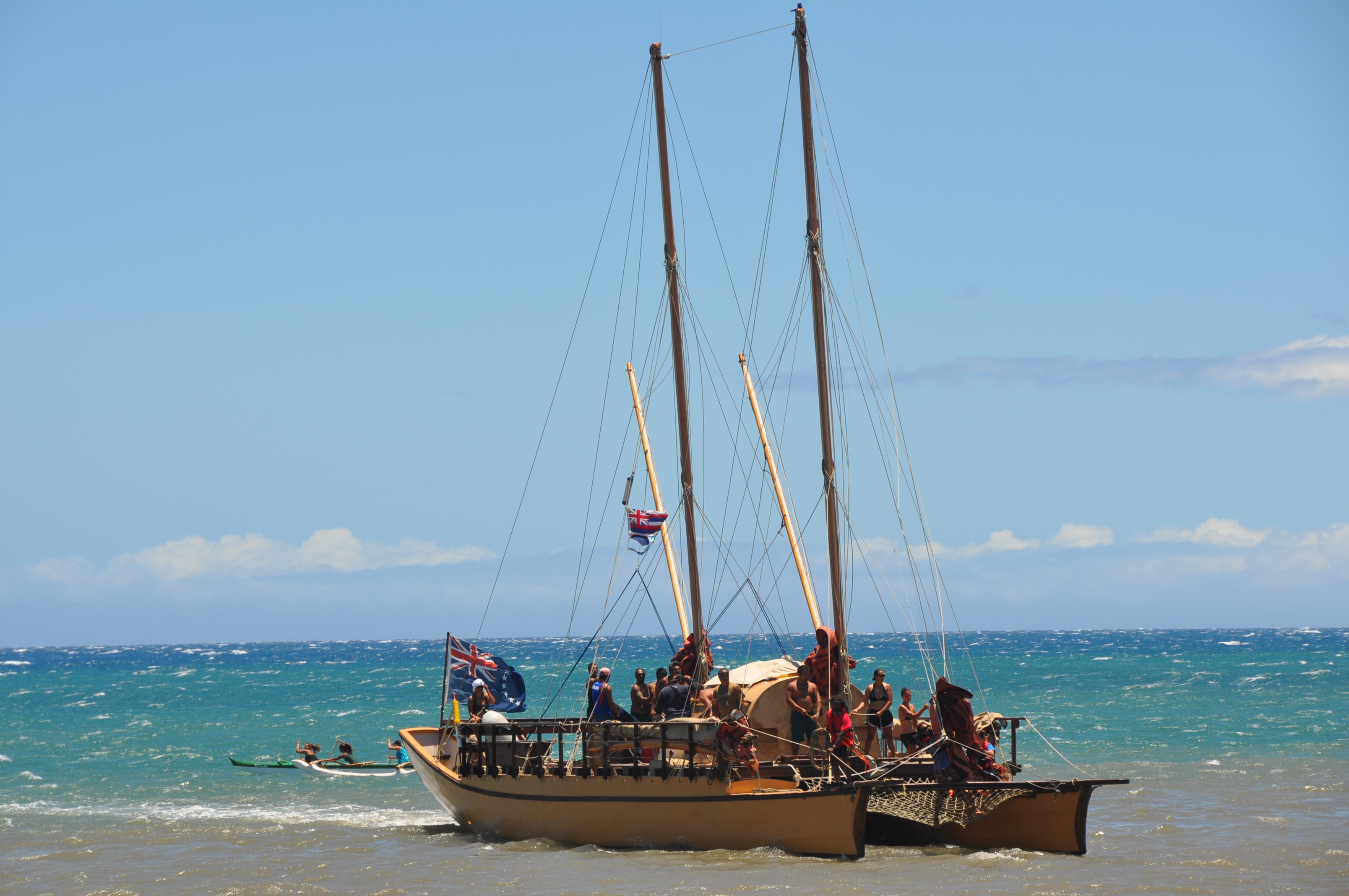 Pacific Voyagers enter Kaunakakai Harbor for historic meeting between Polynesian brothers and sisters