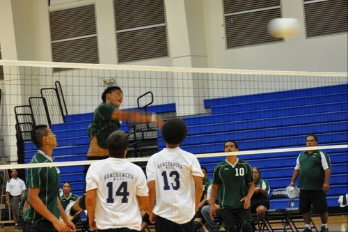 Boys volleyball season opens with a pair of wins over Lanai